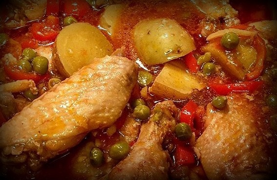 Chicken afritada ivys kitchen posted in chickenpoultry filipino dishes on march 3 2017 by ivys kitchen tags afritadang manok apritada asin bawang bay leaf chicken afritada forumfinder Gallery